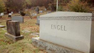 joe_engle_headstone