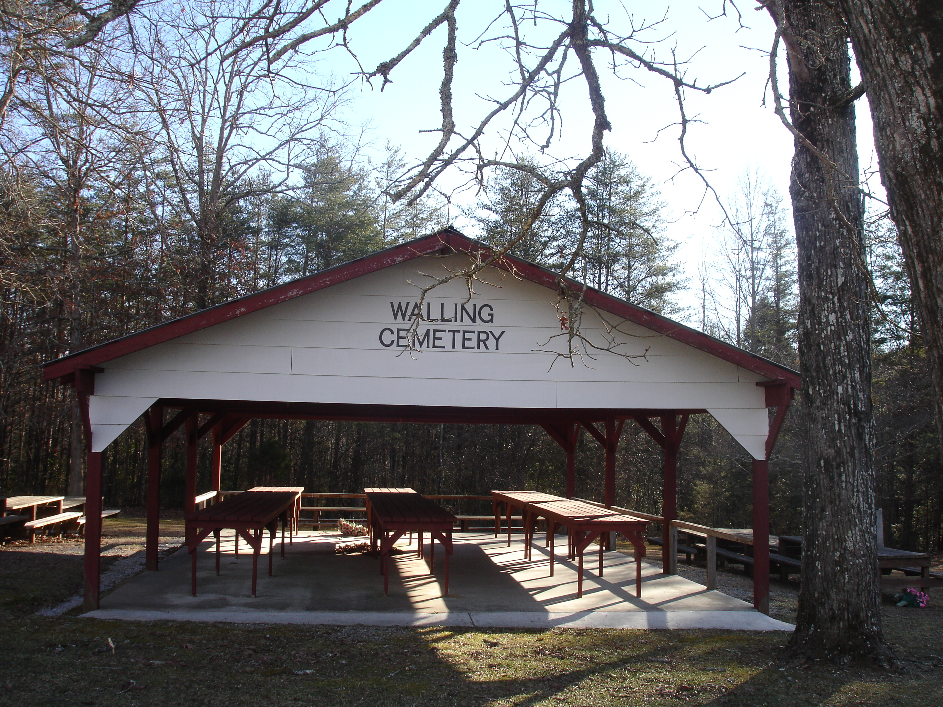 Tennessee white county walling - Walling Cemetery Picnic Area